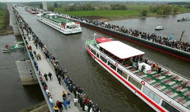 Cầu máng Magdeburg: Cây cầu 'lừa tình' nhất của Đức - anh 5