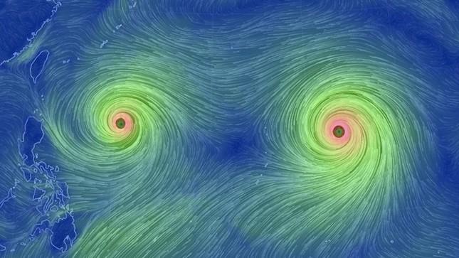 Song siêu bão đang tiến từ Thái Bình Dương vào đất liền - anh 1