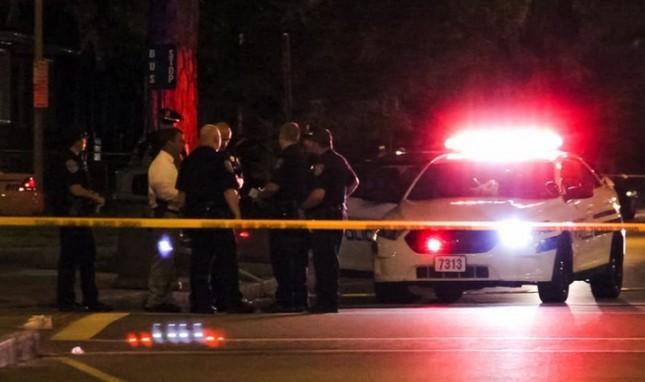New York: Xả súng điên cuồng giữa phố đông, 7 người thương vong - anh 1