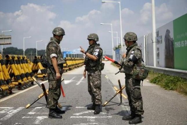Căng thẳng leo thang 'báo động' giữa hai miền Triều Tiên - anh 1