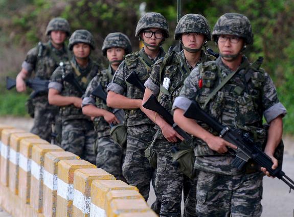 Căng thẳng Triều Tiên - Hàn Quốc: Mèo nào cắn mỉu nào? - anh 4