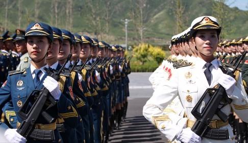 Dàn vũ khí 'khủng' Trung Quốc khoe trước Lễ duyệt binh 3/9 - anh 2