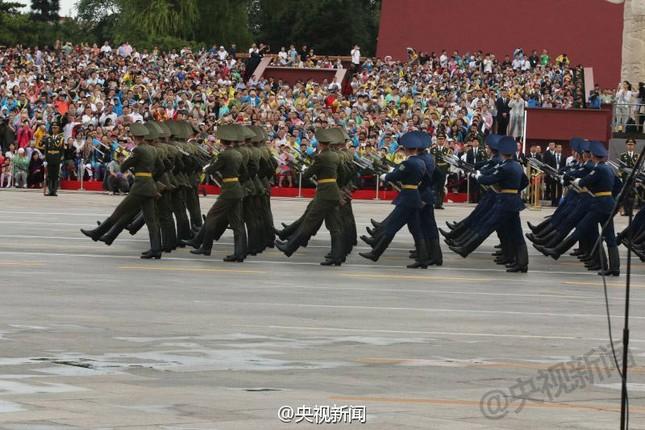 Dàn vũ khí 'khủng' Trung Quốc khoe trước Lễ duyệt binh 3/9 - anh 3
