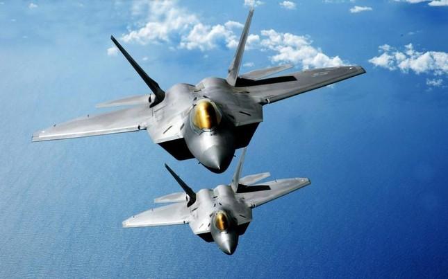Nga sẽ 'đáp trả' thích đáng nếu Mỹ điều tiêm kích F-22 đến châu Âu - anh 2