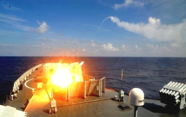 Biển Đông hôm nay 27/8: Bất chấp dư luận quốc tế, Trung Quốc tiếp tục tập trận bắn đạn thật - anh 1