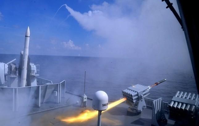 Biển Đông hôm nay 29/8: Trung Quốc tập trận 'khủng' thứ 3 trên vùng biển chiến lược - anh 1