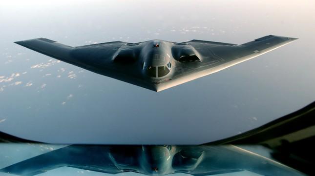 Mỹ lần đầu triển khai tiêm kích F-22 Raptor tới châu Âu - anh 1