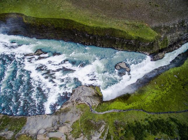 Ngắm Iceland đẹp lạ thường qua ống kính nhiếp ảnh gia - anh 14