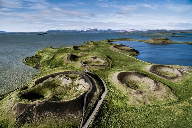 Ngắm Iceland đẹp lạ thường qua ống kính nhiếp ảnh gia - anh 17