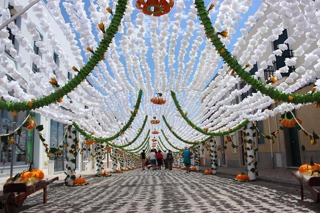 Ngắm Bồ Đào Nha rực rỡ trong Lễ hội Hoa ngập sắc màu - anh 15