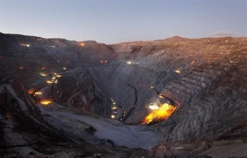 10 mỏ khoáng lộ thiên ấn tượng nhất thế giới nhìn từ trên cao - anh 3
