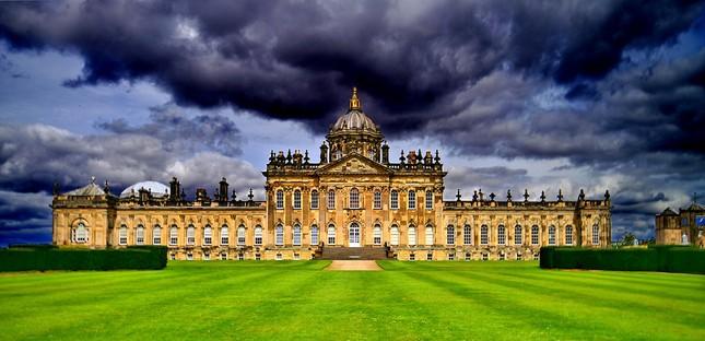 Chiêm ngưỡng vẻ đẹp tuyệt vời của 16 tòa lâu đài tráng lệ trên thế giới - anh 6