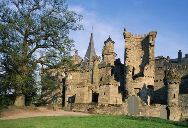 Chiêm ngưỡng vẻ đẹp tuyệt vời của 16 tòa lâu đài tráng lệ trên thế giới - anh 9