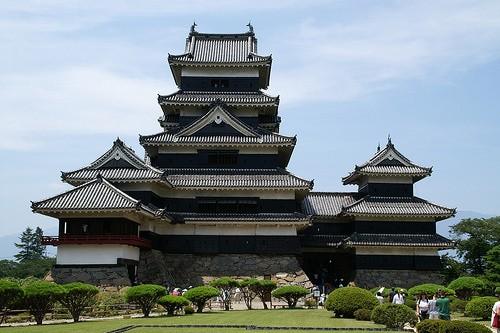 Chiêm ngưỡng vẻ đẹp tuyệt vời của 16 tòa lâu đài tráng lệ trên thế giới - anh 11