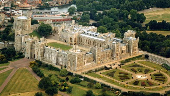 Chiêm ngưỡng vẻ đẹp tuyệt vời của 16 tòa lâu đài tráng lệ trên thế giới - anh 16