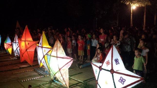 Châu Á rực rỡ sắc đèn trong đêm hội Trung thu - anh 3