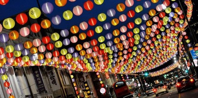 Châu Á rực rỡ sắc đèn trong đêm hội Trung thu - anh 5