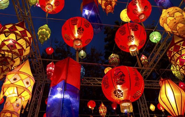 Châu Á rực rỡ sắc đèn trong đêm hội Trung thu - anh 6