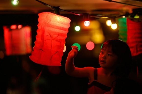 Châu Á rực rỡ sắc đèn trong đêm hội Trung thu - anh 8