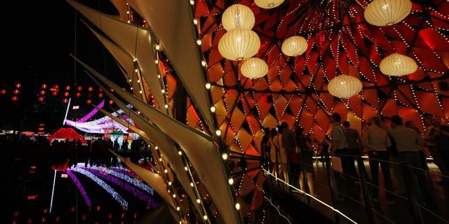 Châu Á rực rỡ sắc đèn trong đêm hội Trung thu - anh 10