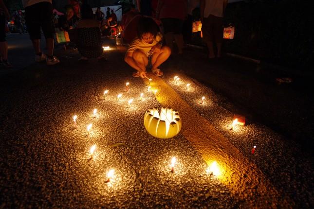 Châu Á rực rỡ sắc đèn trong đêm hội Trung thu - anh 11