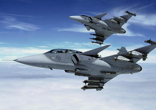 Pháp bắt đầu chiến dịch không kích IS tại Syria - anh 1