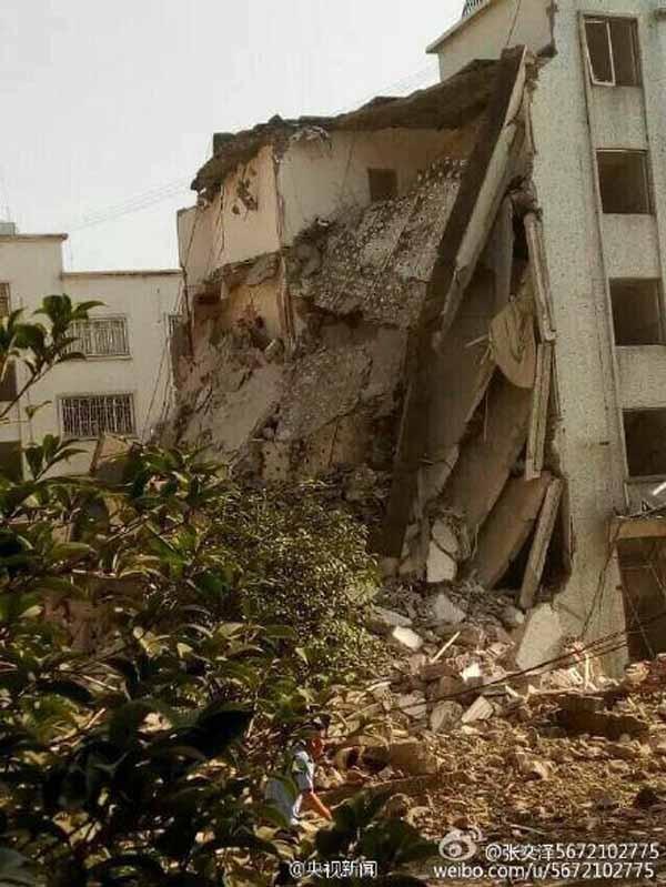 Hiện trường nát vụn sau vụ nổ bom liên hoàn ở Trung Quốc - anh 4