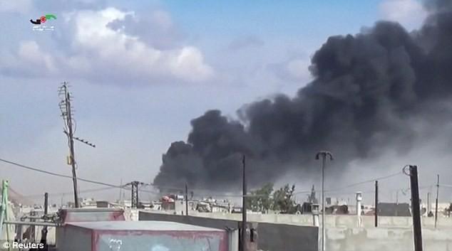 Hang ổ của IS bị đánh tan tác sau đợt không kích liên hoàn của Nga - anh 3