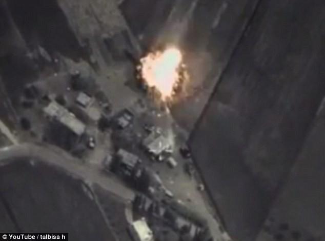 Hang ổ của IS bị đánh tan tác sau đợt không kích liên hoàn của Nga - anh 2