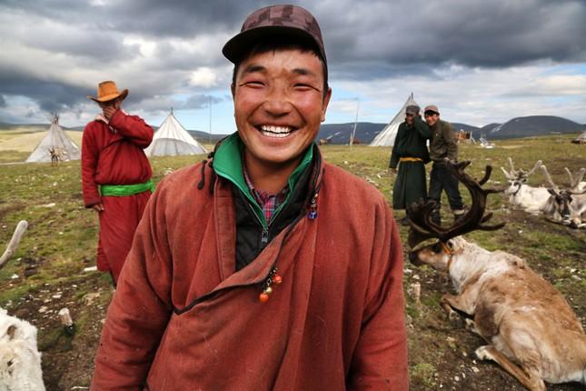 Khám phá cuộc sống của dân du mục Tsaatan ở Mông Cổ - anh 12