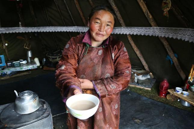 Khám phá cuộc sống của dân du mục Tsaatan ở Mông Cổ - anh 18