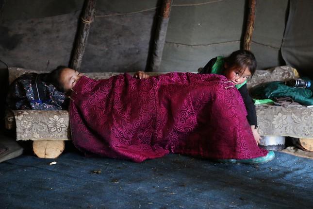 Khám phá cuộc sống của dân du mục Tsaatan ở Mông Cổ - anh 19