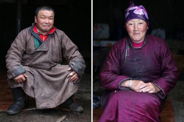 Khám phá cuộc sống của dân du mục Tsaatan ở Mông Cổ - anh 9