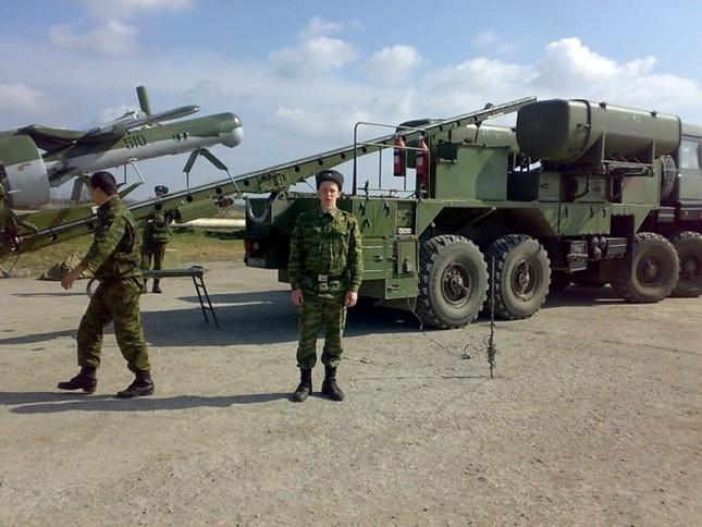 Iraq mở không phận cho Nga săn lùng IS - anh 1