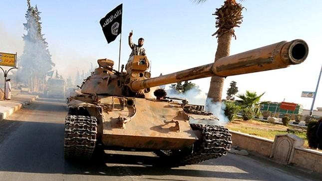IS bí mật vận chuyển vũ khí nhằm đáp trả Nga - anh 2