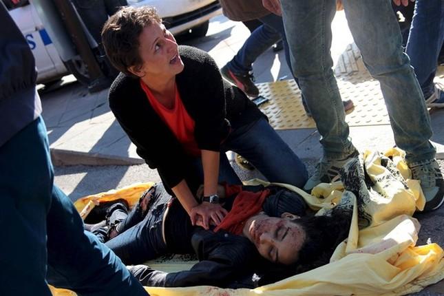 Toàn cảnh vụ đánh bom kép đẫm máu ở Thổ Nhĩ Kỳ, hơn 300 người thương vong - anh 3