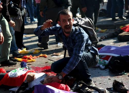 Toàn cảnh vụ đánh bom kép đẫm máu ở Thổ Nhĩ Kỳ, hơn 300 người thương vong - anh 2