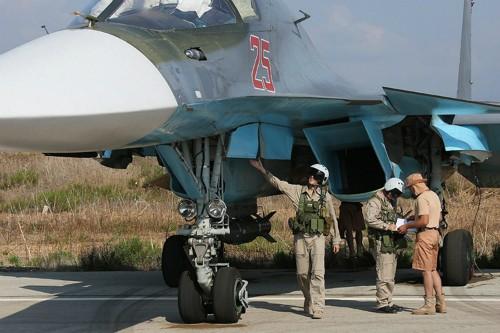 Phương Tây ngỡ ngàng trước sức mạnh quân sự Nga tại Syria - anh 1
