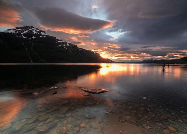Ngắm xứ sở Na Uy đẹp thuần khiết trong bộ ảnh thiên nhiên hùng vĩ - anh 3