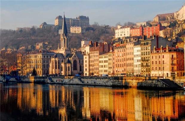 Khám phá nét hấp dẫn tinh tế của thành phố Lyon miền đông nam nước Pháp - anh 6