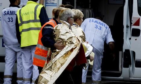 Pháp: Tai nạn thảm khốc trên đường cao tốc, ít nhất 42 người chết - anh 2