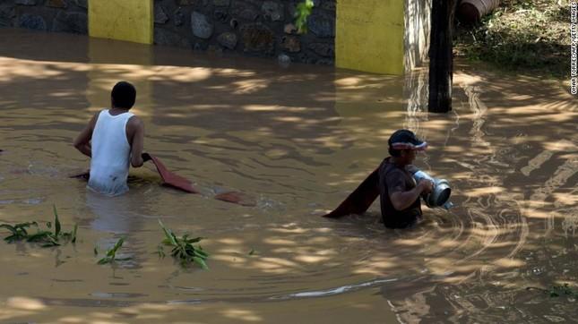 Siêu bão mạnh nhất bán cầu Tây đổ bộ Mexico, hàng nghìn người sơ tán - anh 5