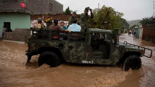 Siêu bão mạnh nhất bán cầu Tây đổ bộ Mexico, hàng nghìn người sơ tán - anh 6
