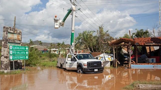 Siêu bão mạnh nhất bán cầu Tây đổ bộ Mexico, hàng nghìn người sơ tán - anh 7