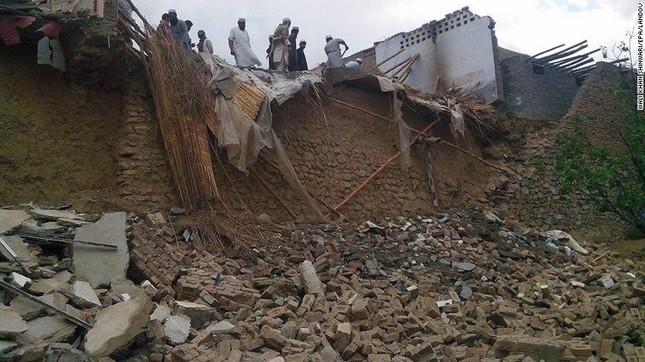Toàn cảnh động đất 7,5 độ Richter rung chuyển Nam Á, ít nhất 229 người chết - anh 8