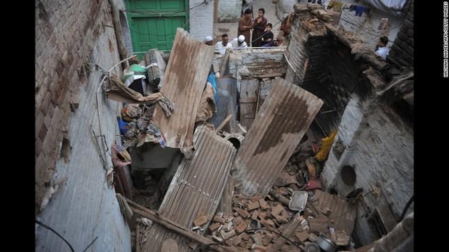 Toàn cảnh động đất 7,5 độ Richter rung chuyển Nam Á, ít nhất 229 người chết - anh 9