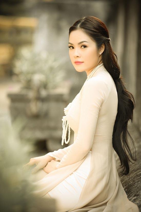 Á hậu điện ảnh Cẩm Lynh: Tôi sống khá khép kín - anh 1