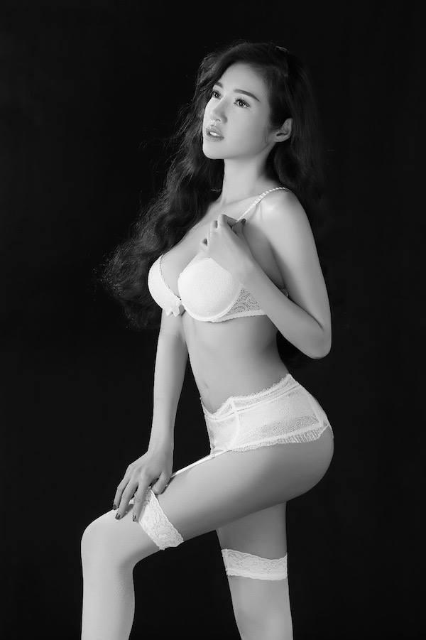 Hot: Elly Trần tung ảnh nội y đánh dấu sự trở lại - anh 6