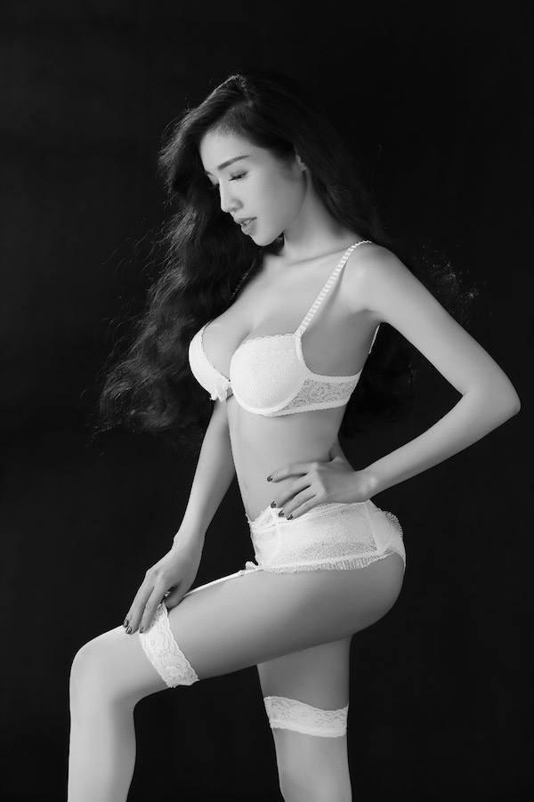 Hot: Elly Trần tung ảnh nội y đánh dấu sự trở lại - anh 2