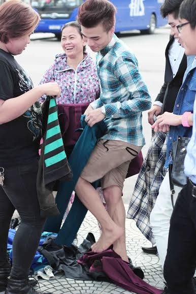 Hot: Kenny Sang bị chụp lén khi quay Mv Kenny Sang Special - anh 1